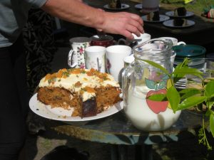 A scrummy carrot cake from Jackie.......